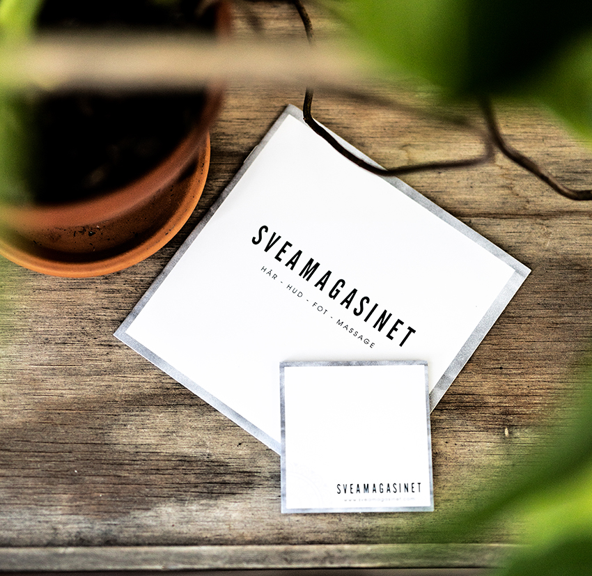 Portfolio - En broschyr och ett litet block. Trycksaker till Sveamagasinet